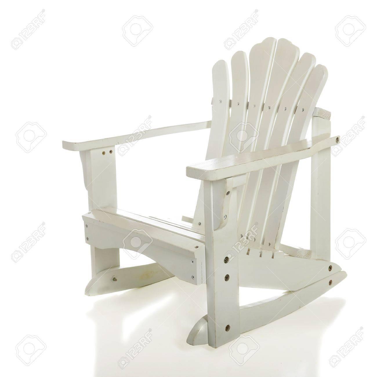 banque dimages un enfant de se vider la chaise bascule blanc adirondack sur un fond blanc - Chaise A Bascule Blanche