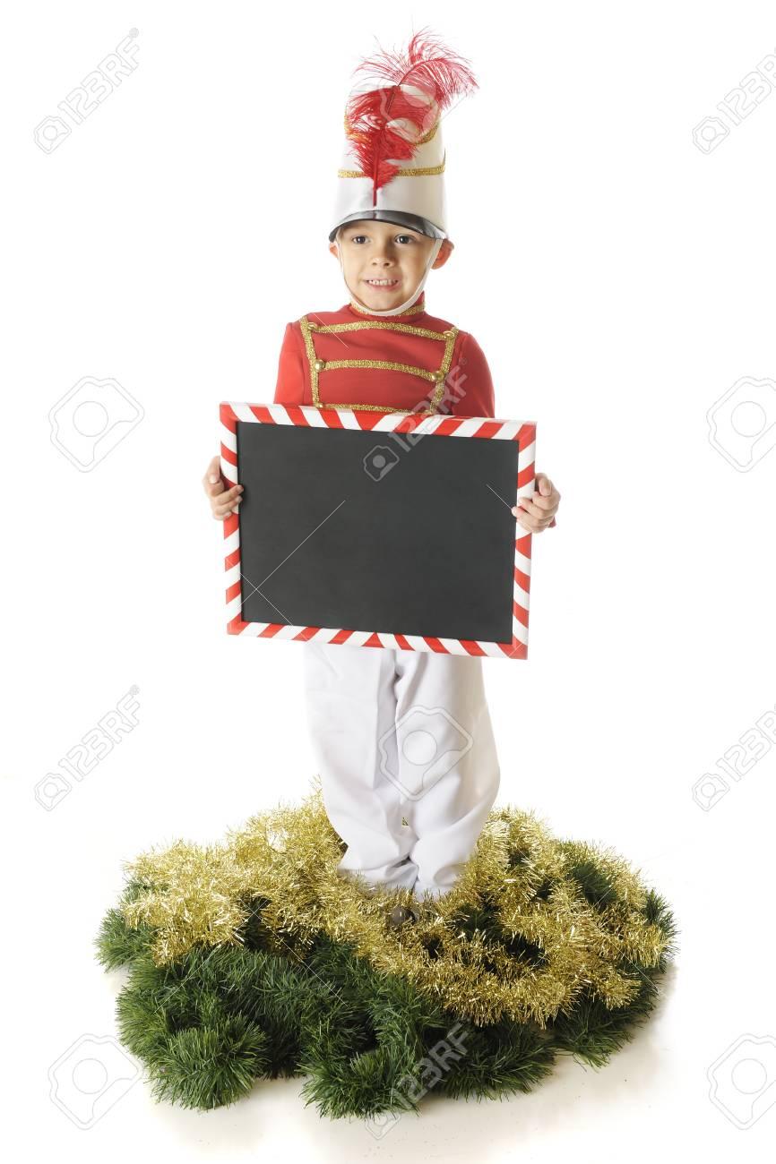 Ein Aufrecht Vorschule Weihnachten Soldat Hält Eine Zuckerstange ...