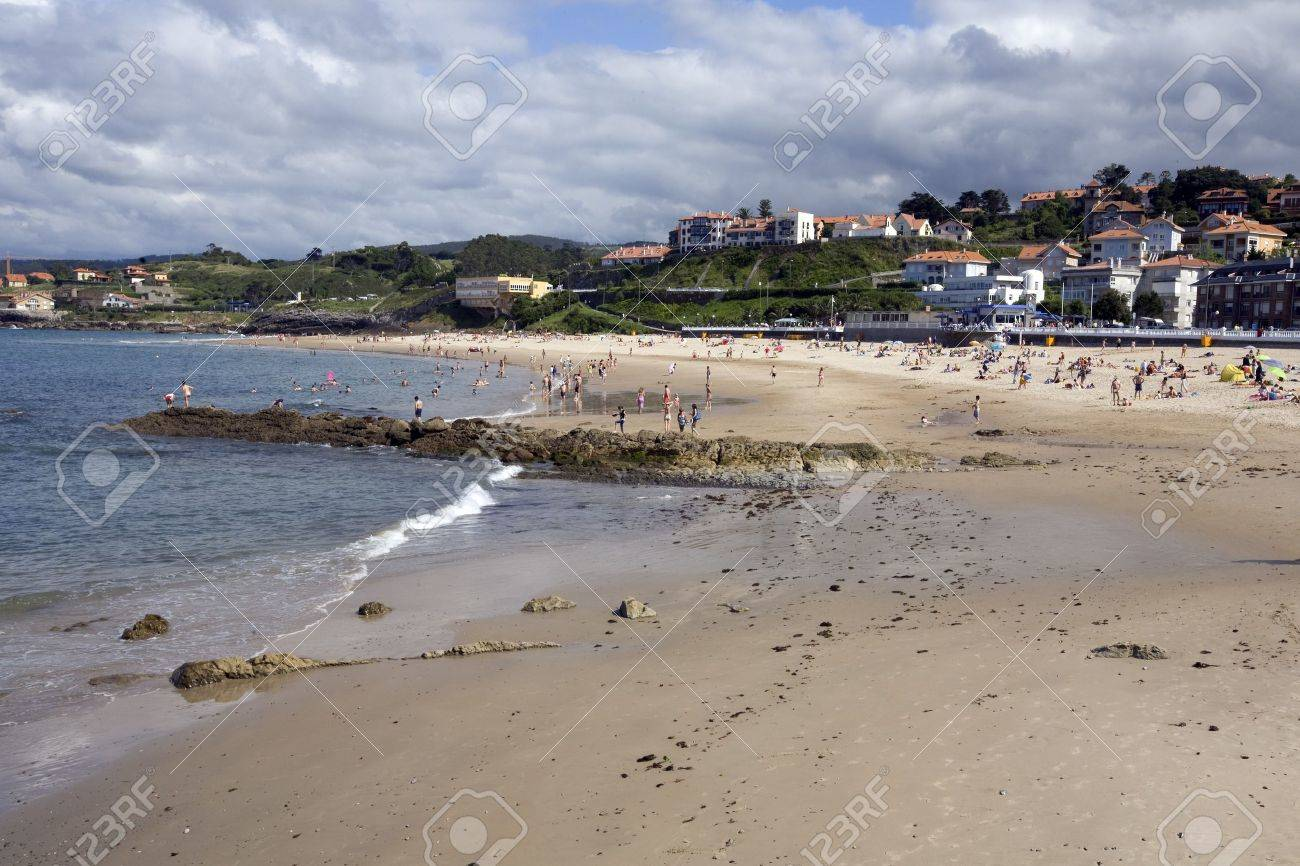 Tourists on the beach, Comillas, Santander, Cantabria, Spain Stock Photo - 7177283