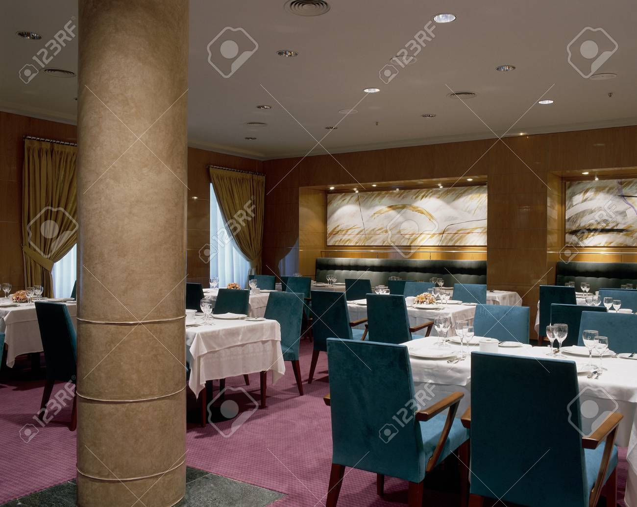 View of an elegant dining area Stock Photo - 7215333