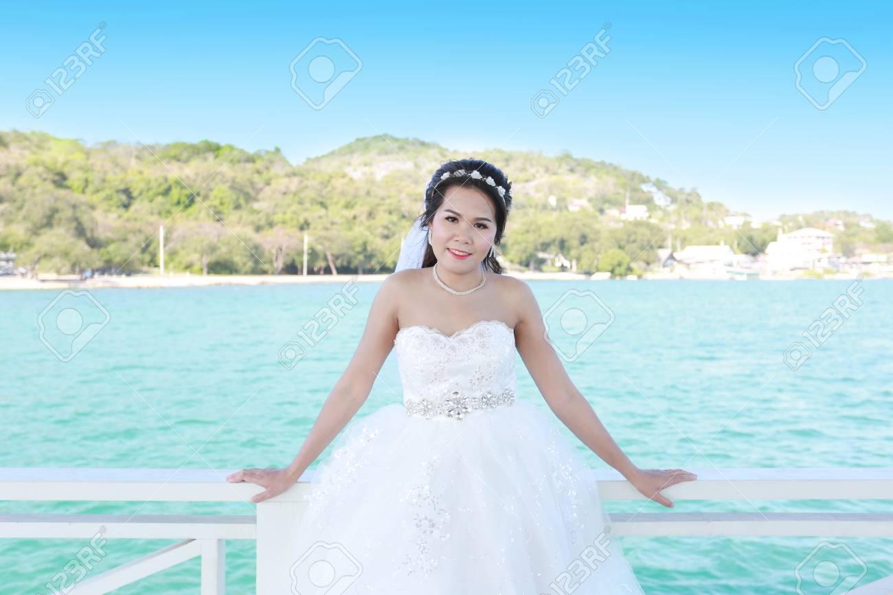 Photos Fashion Wedding Dress Of Asian Women At Si Chang Island ...