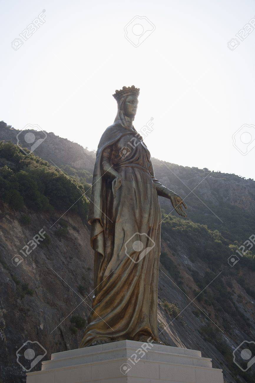 Virgin Mary Golden Statue Stock Photo - 14699719