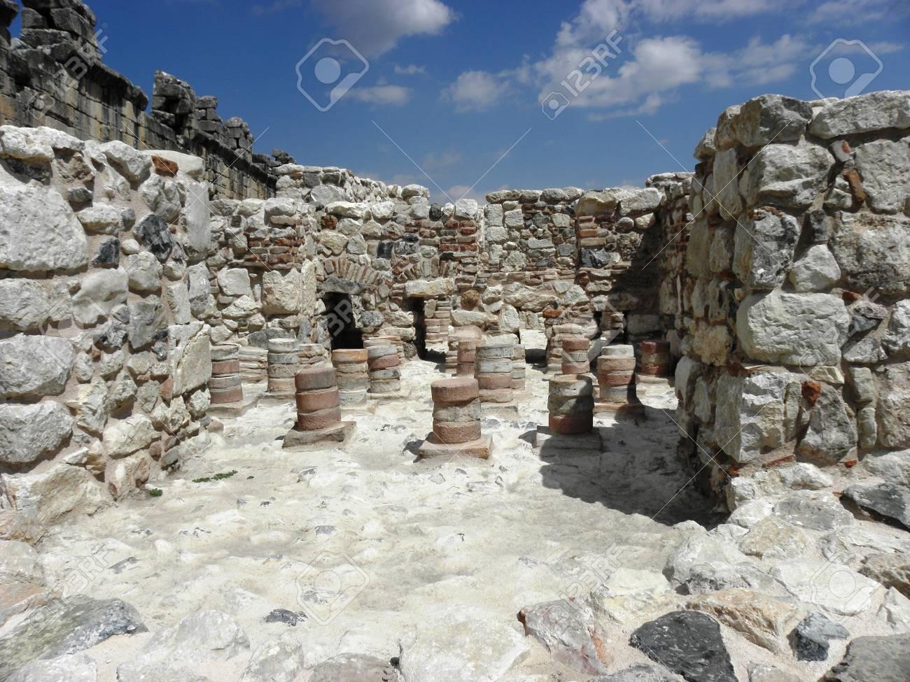 Bleibt Der Heißwassersystem Des Römischen Bades In Kibyra ...