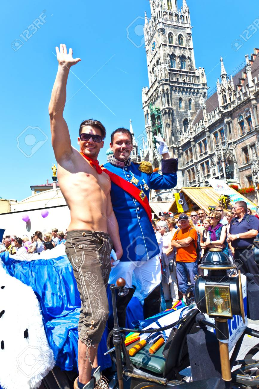MUNICH, GERMANY - JULY 09 : people celebrate the Christopher Street Day in Munich with colorful costumes  at July 09,2011 in Munich, Germany. It is the worlds biggest party for gay people. Stock Photo - 9914506