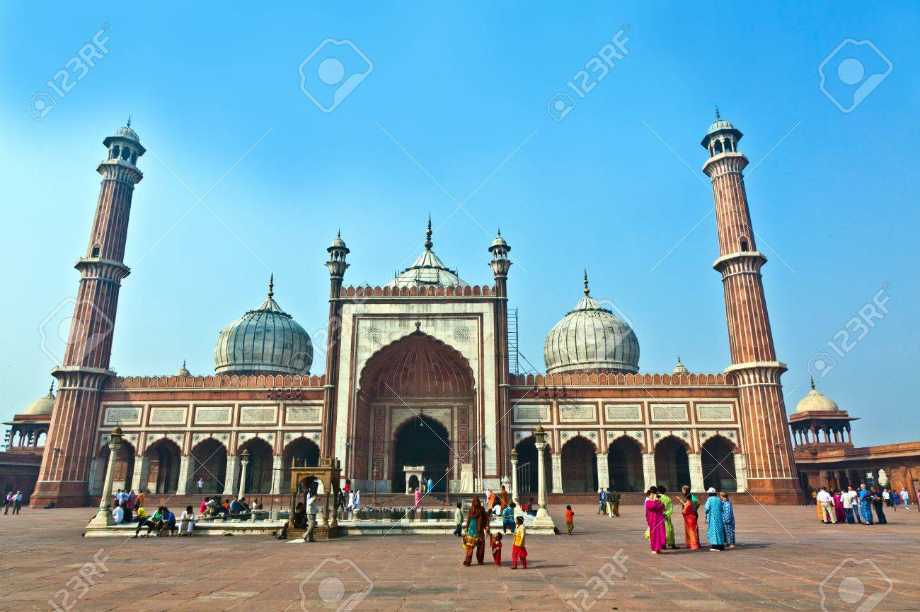 DELHI, INDIA - NOVEMBER 09: View of Jama Masjid on November 11,2011. It is the largest and best-known mosque in India. Stock Photo - 11302336