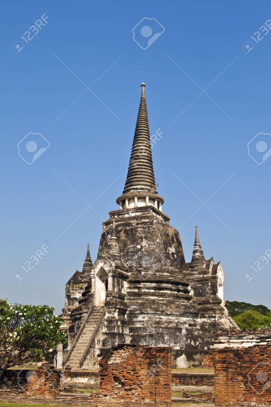 famous temple area Wat Phra Si Sanphet, Royal Palace in Ajutthaya Stock Photo - 13730517