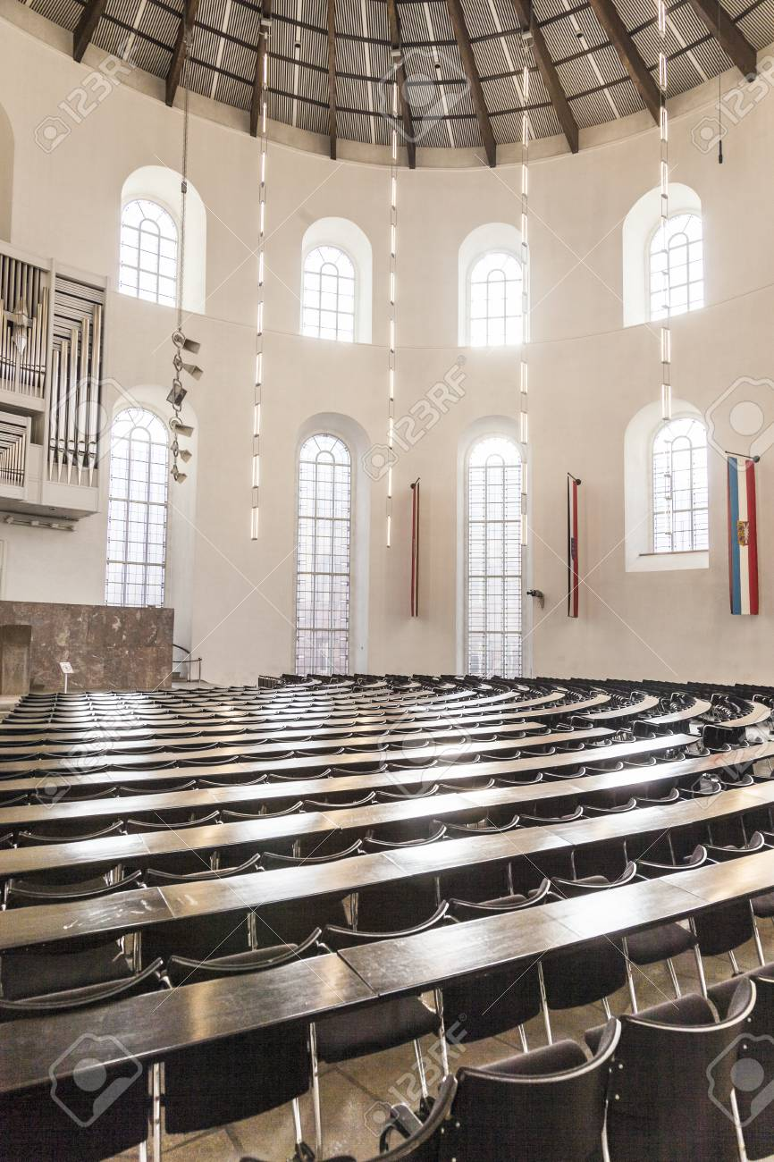 フランクフルト、ドイツ - 2 月 25 日: 2012 年 2 月 25 日にドイツの ...