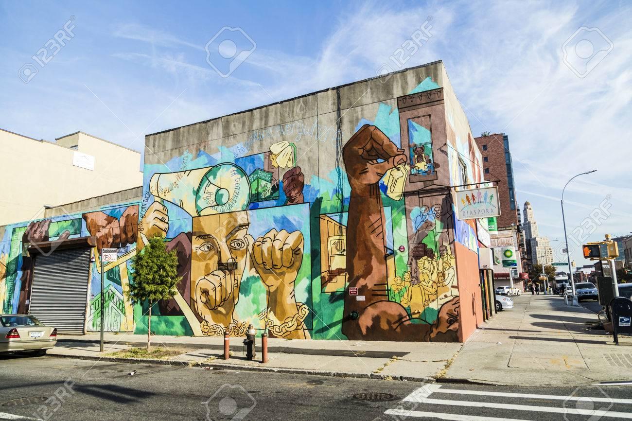New York états Unis 21 Octobre 2015 Fresque Colorée Peinture Murale à New York Surtout Dans Brooklyn Peinture Murale Dans Les Vieilles Maisons