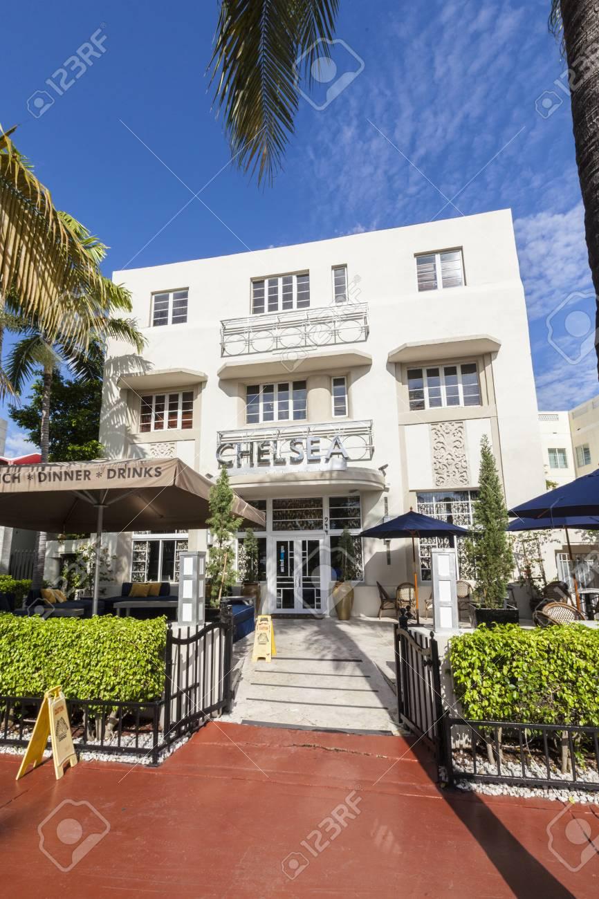 old vintage Hotel Chelsea in Miami Beach in art deco style near ocean drive in South Beach, Miami. - 70061179