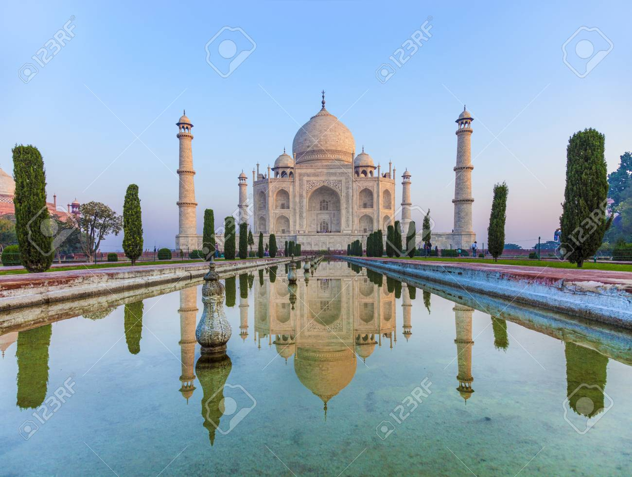 Taj Mahal in India - 71609273