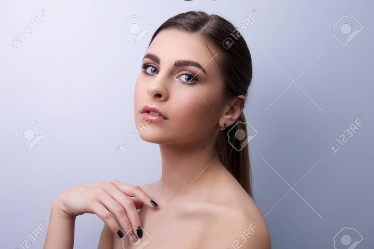 Breve haired MILF porno