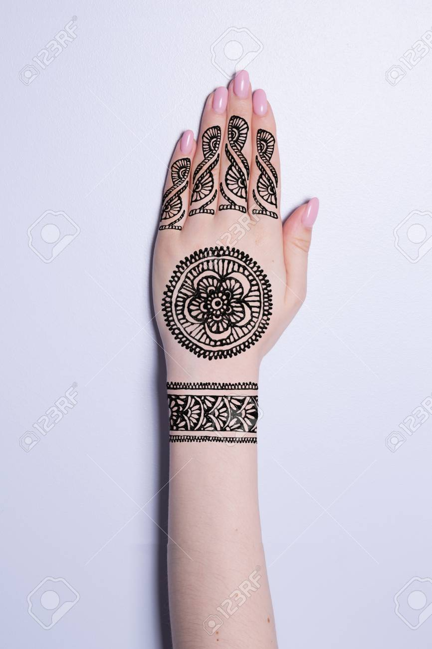 Mano Con Mandala Patrón Tatuaje Negro Henna Mehendi Fotos Retratos