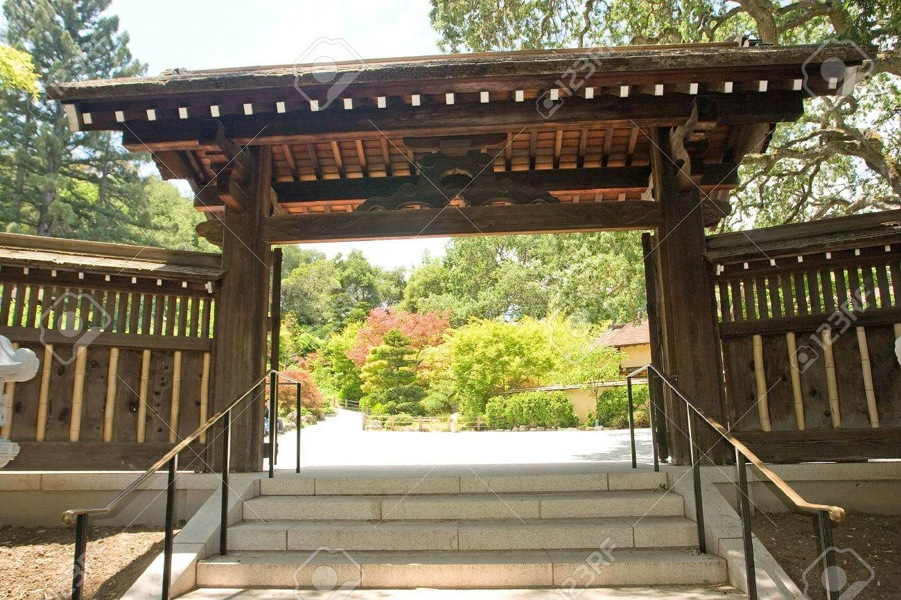 Traditional japanese gardens - A Traditional Japanese Garden In California Stock Photo 3097019