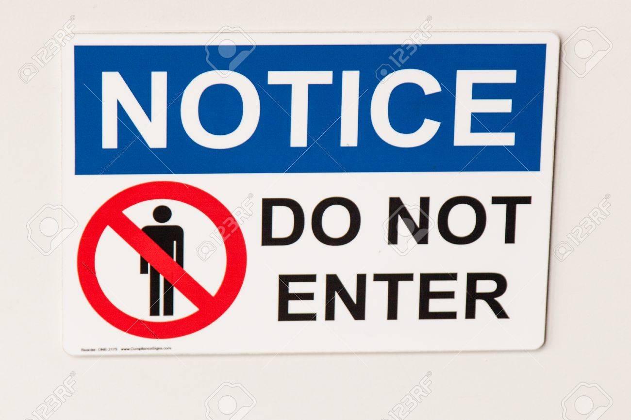 Signe en métal-avertissement de zone réglementée aucune entrée interdite
