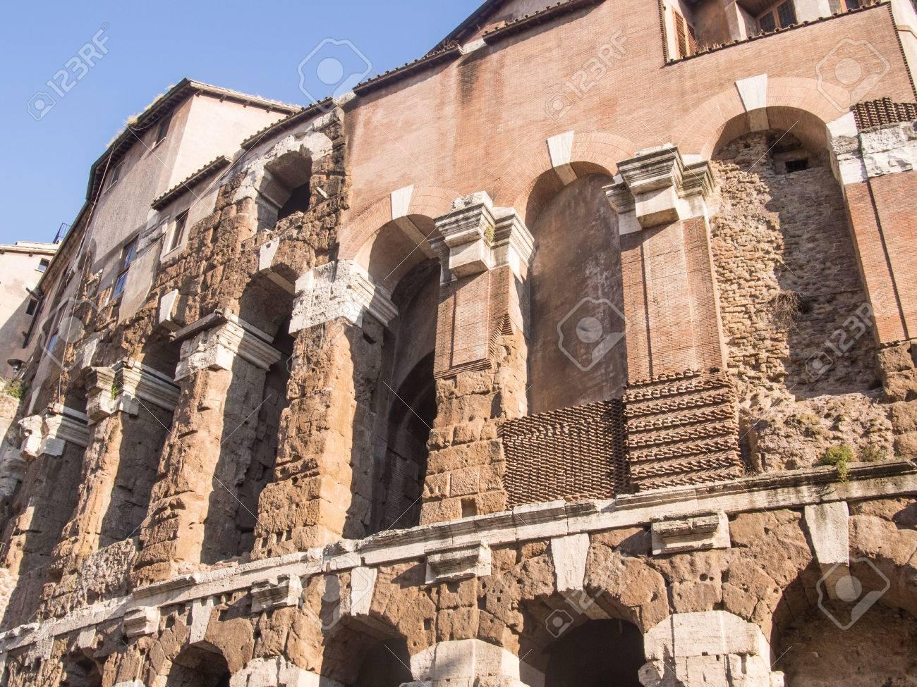 マルケッルス劇場はローマ、イタ...