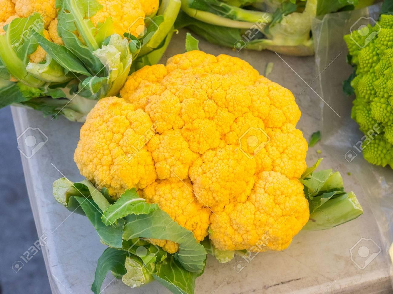 Le Chou Fleur Orange Brassica Oleracea L Var Botrytis Pour La