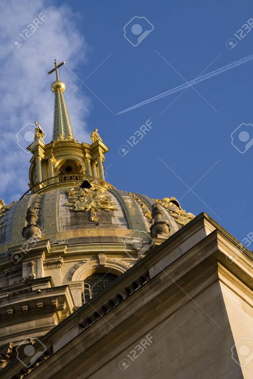 La Iglesia De Los Invalidos De Paris