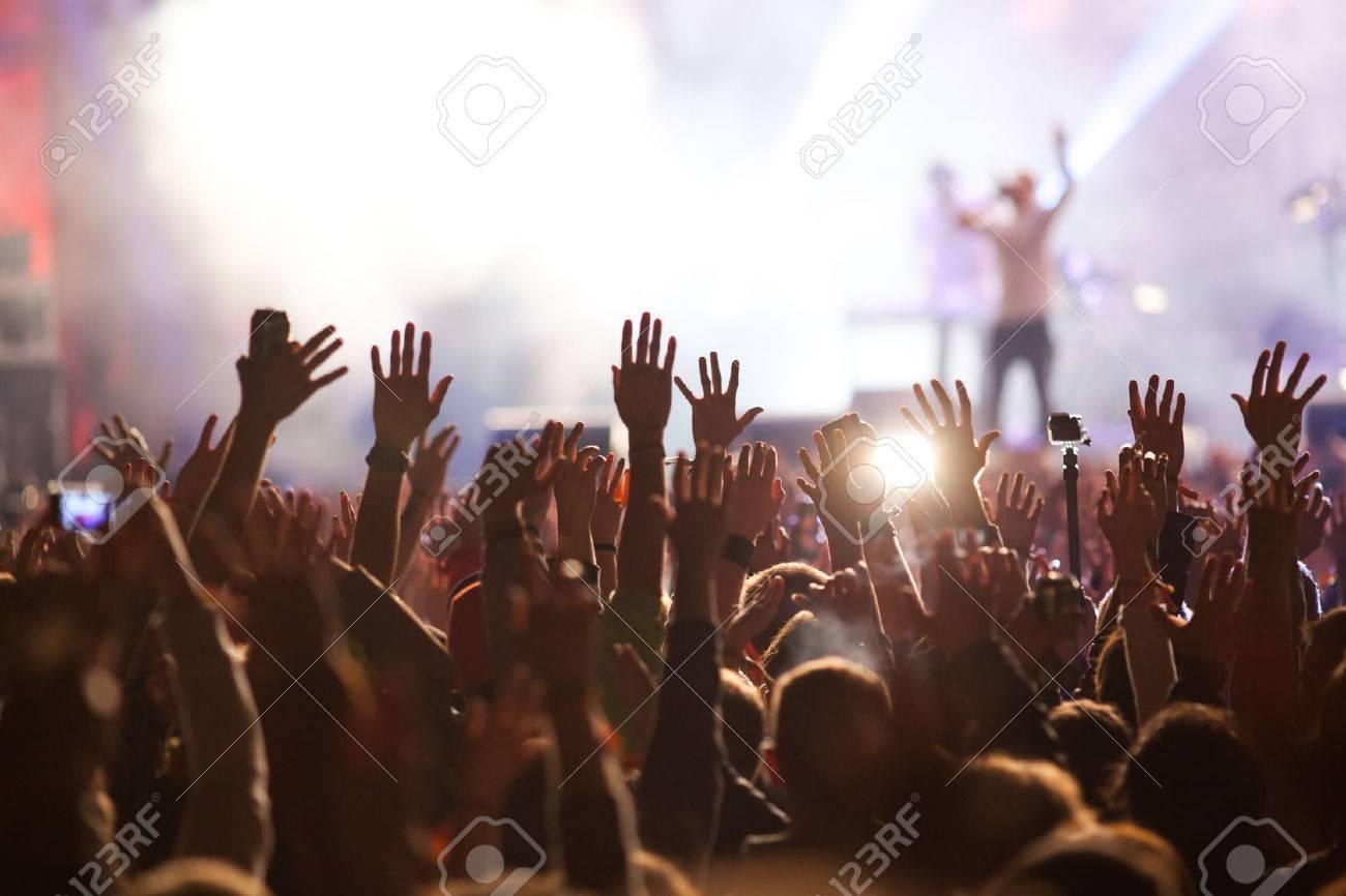 Crowd at concert - 43089726