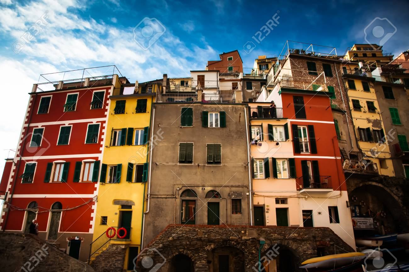 Reise Erstaunliche Italien Serie - Häuser In Riomaggiore, Cinque ...