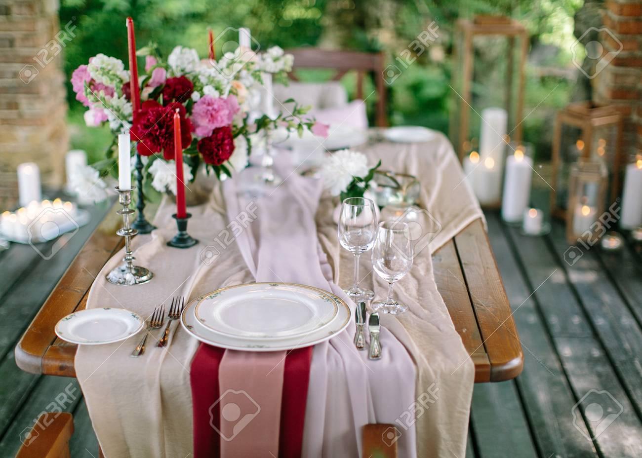 Festive Table Setting. Wedding Decor. Table Setting In Classic ...