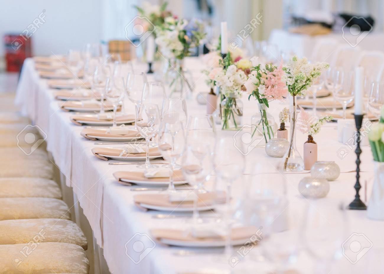 Hochzeitsdekor Hochzeitsinnenraum Festliches Dekor Blumenstrauss