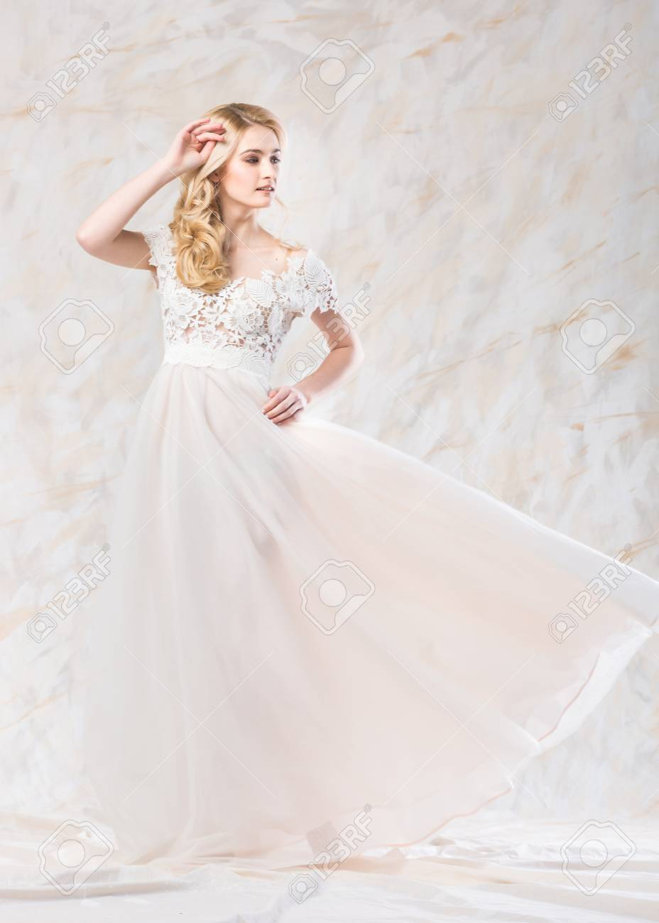 Fashionable Wedding Dress, Beautiful Blonde, Bride Hairstyle.. Stock ...