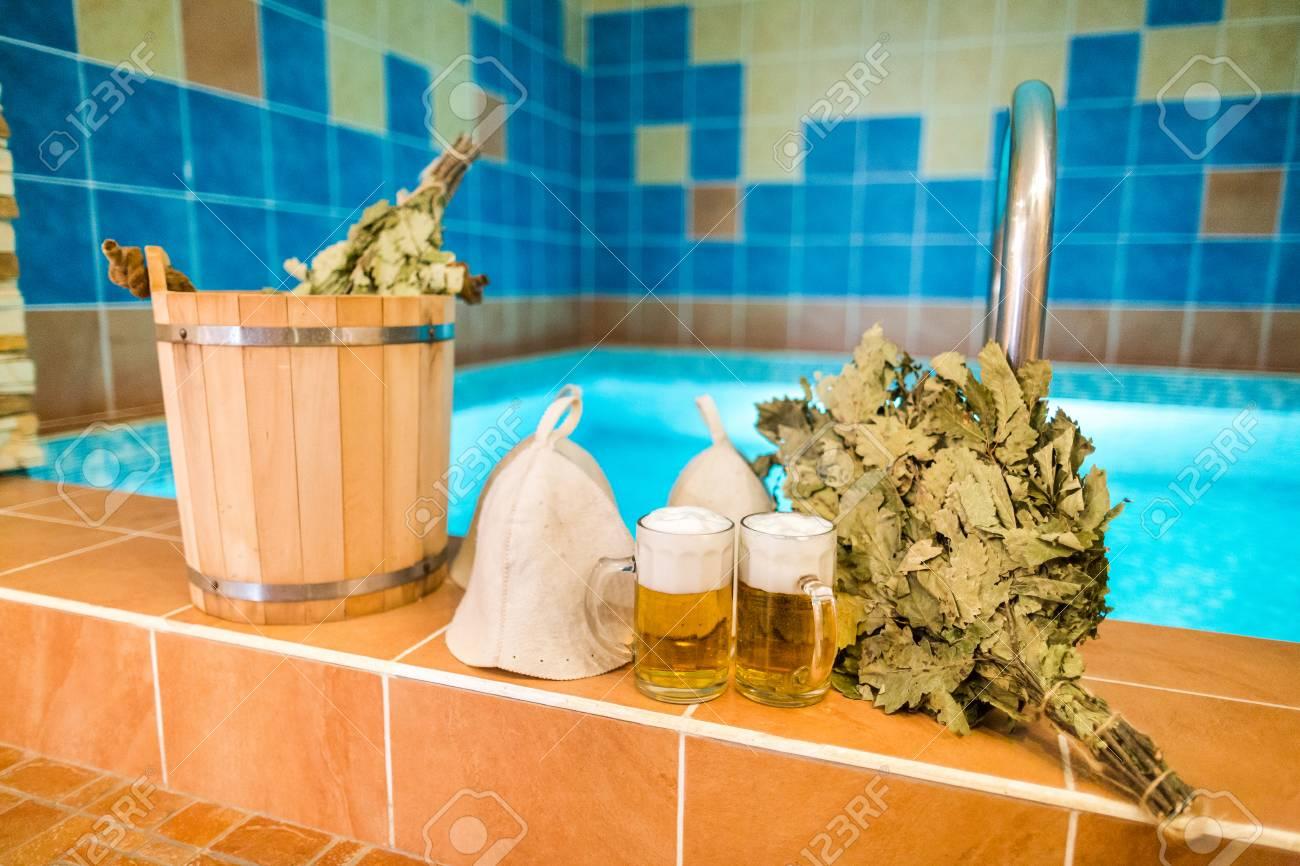 Badzubehör Im Russischen Bad. Badezimmerartikel Der Traditionellen ...