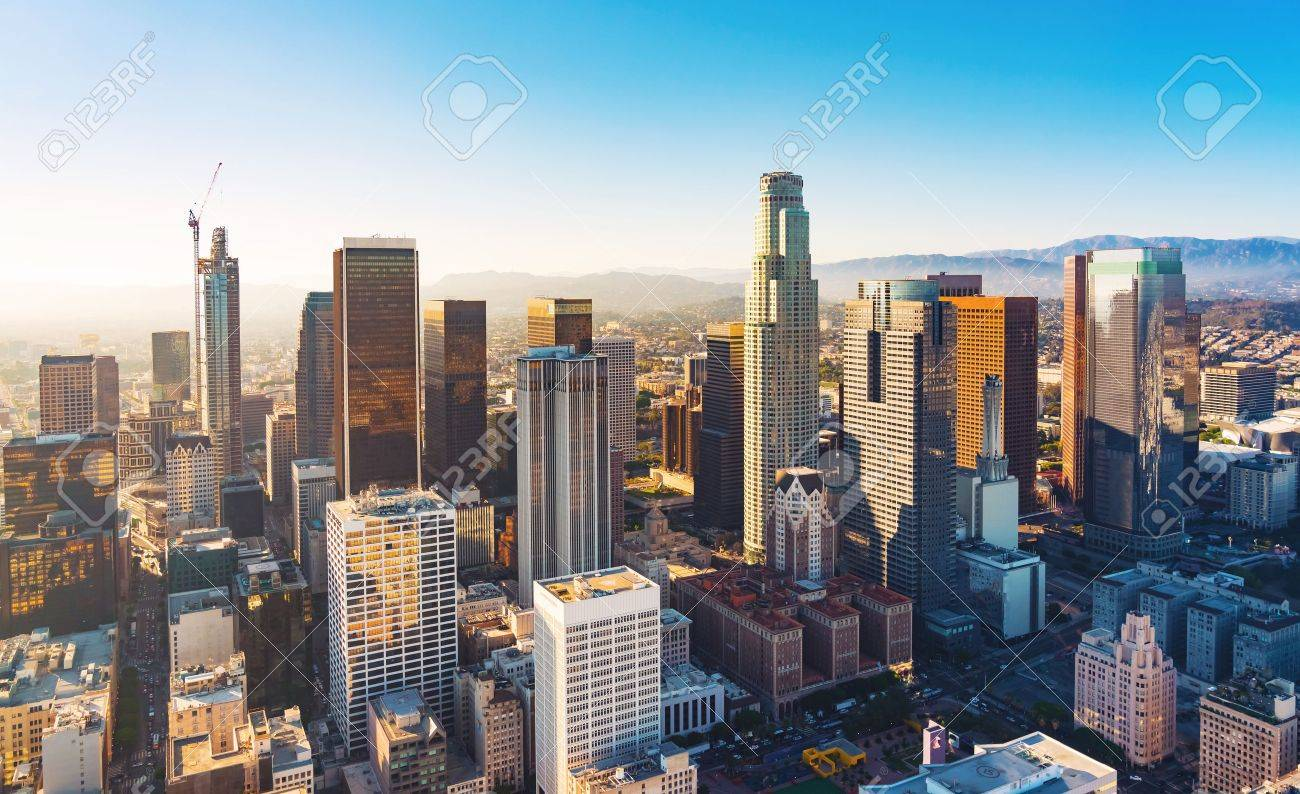 Aerial view of a Downtown Los Angeles at sunset Standard-Bild - 63824476