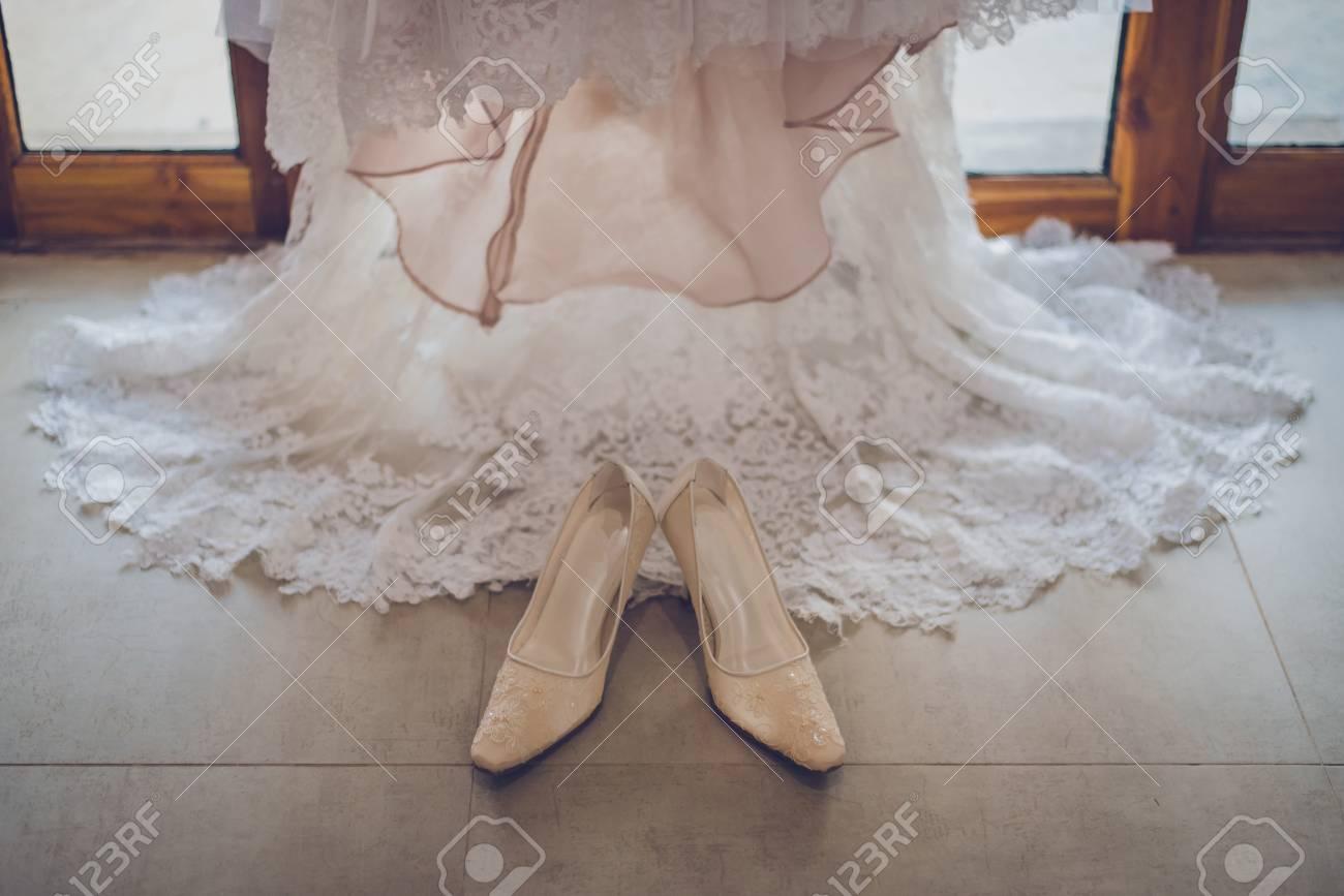 Chaussures Chaussures Mariée De Blanche Robe Robe Mariée De Robe Blanche De 5jARL34q
