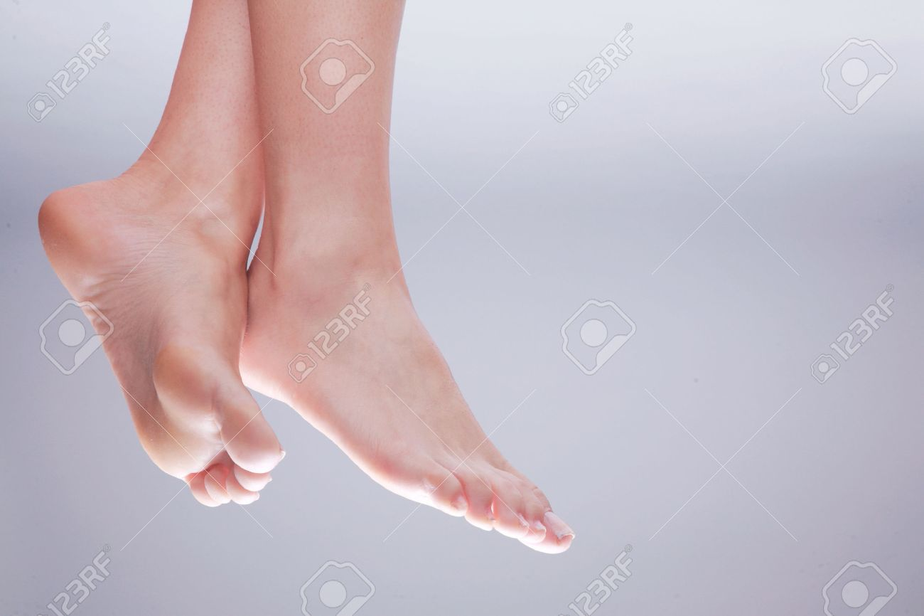 beautiful feet nature close up Standard-Bild - 28590213