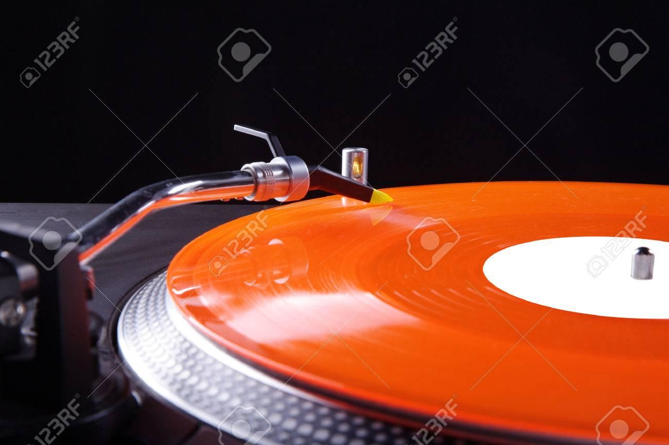 record player with colored vinyl record Standard-Bild - 28740216