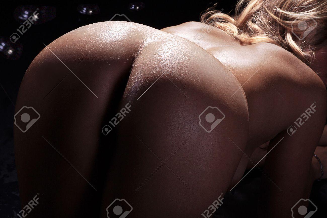 naked women back and butt view Standard-Bild - 28736724