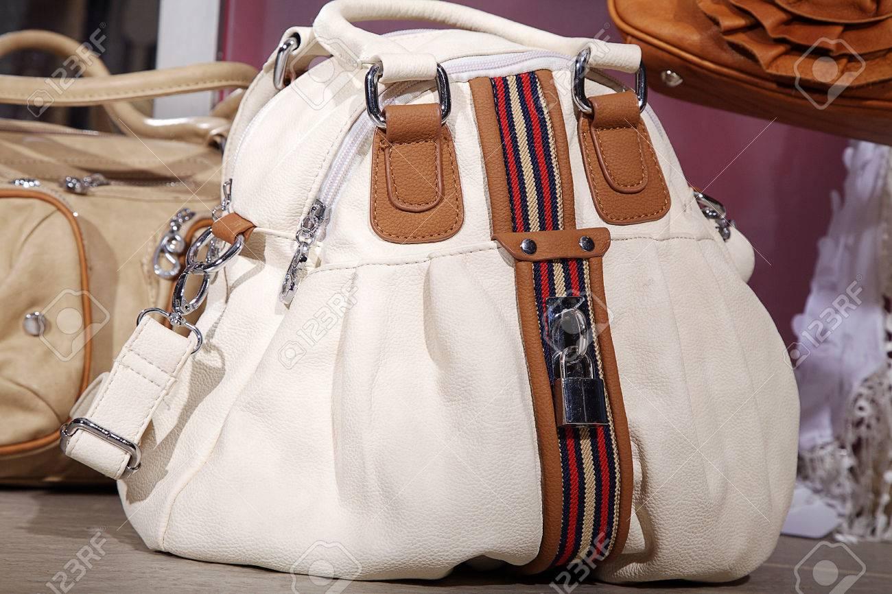 profiter de la livraison gratuite réputation fiable emballage fort Beau sac à main italien moderne de couleur