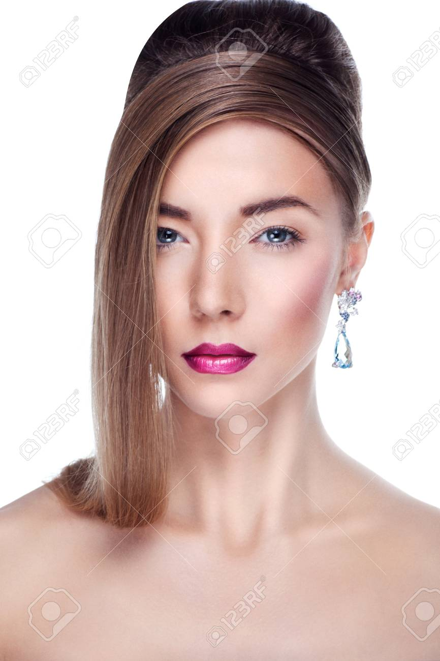 Woman posing in exclusive jewelry  Professional makeup Stock Photo - 17892271