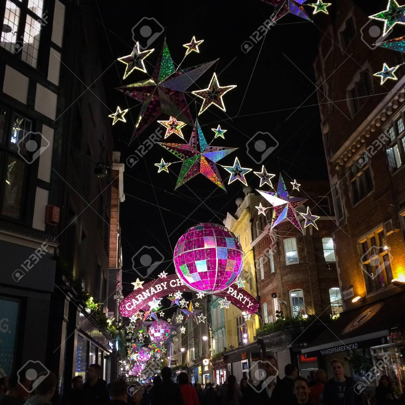 Decorazioni Natalizie Londra 2019.Londra Regno Unito A 3 Dicembre 2015 Decorazioni Natalizie A Carnaby Street Carnaby Christmas Party