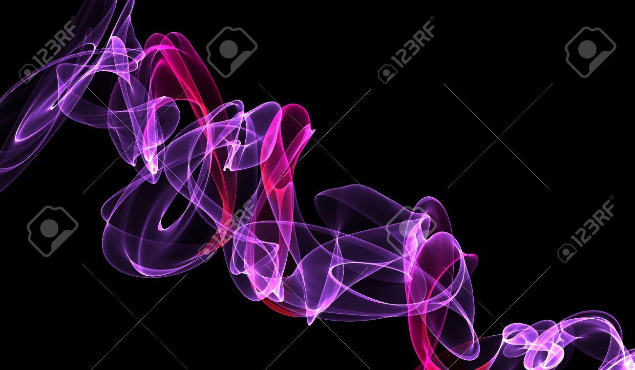 ピンク紫黒壁紙上の煙 の写真素材 画像素材 Image