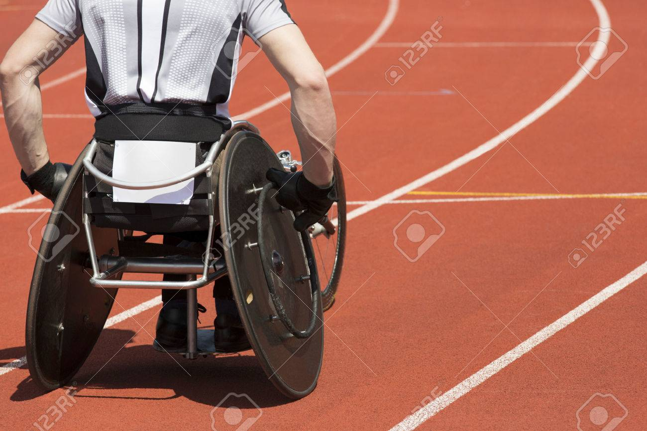 Wheelchair athlete concentrates for his race to start - 29300718