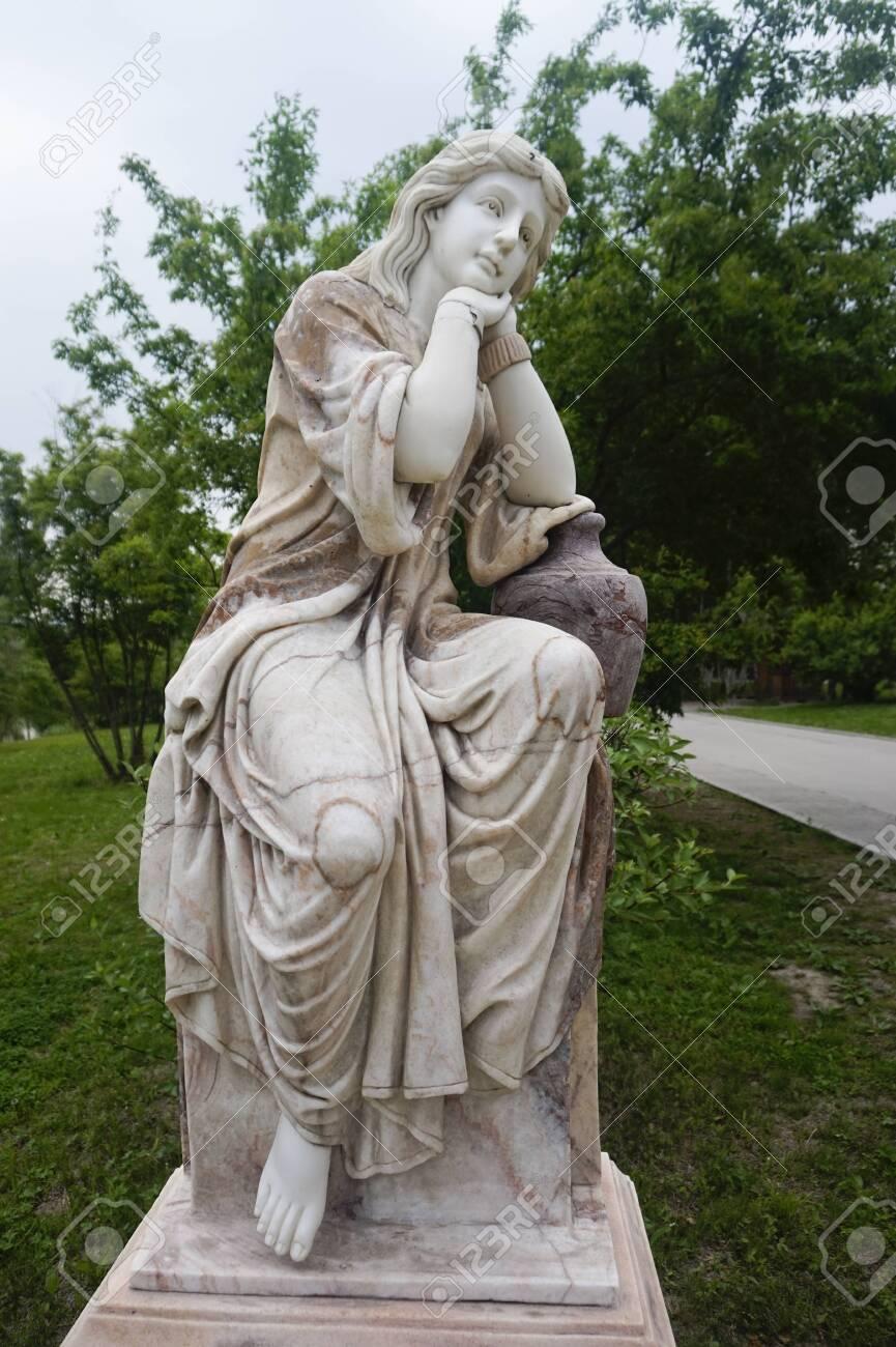 Ancient Greek portrait statue - 127406909