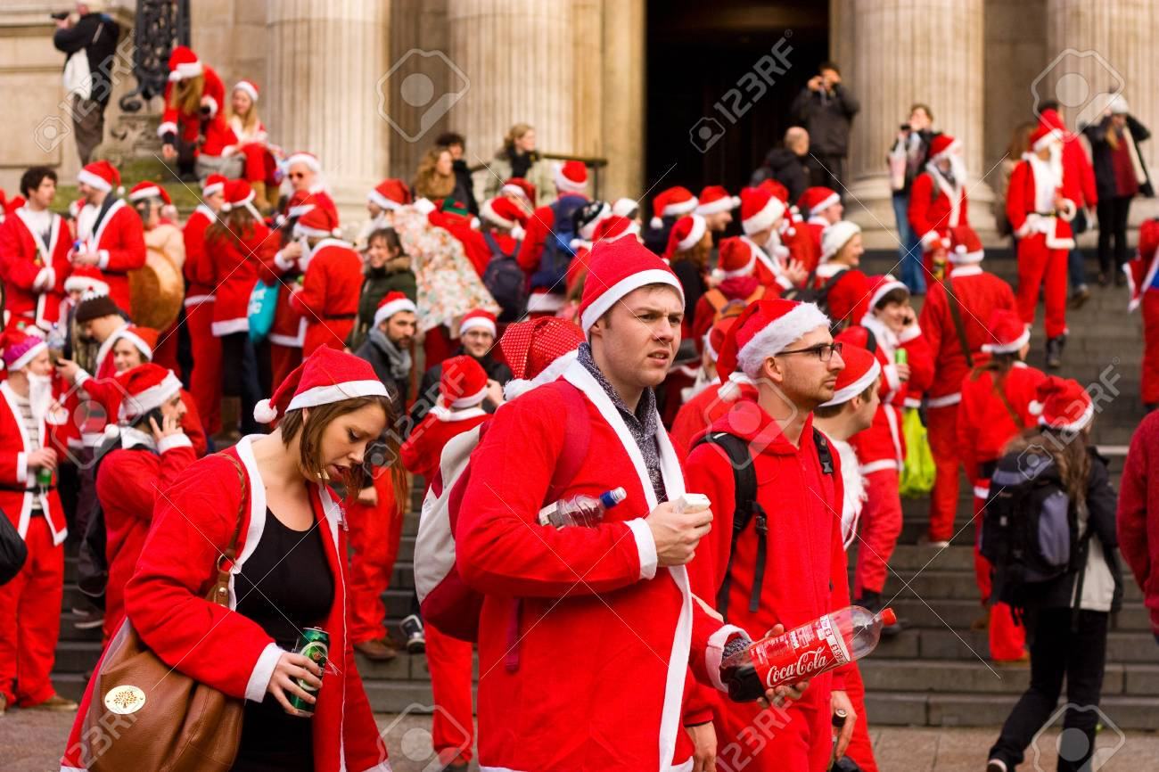 LONDON-DEC 15: Unidentified santa's in the street at the Santacon street festival in London, England, Uk. Santacon is an annual event. Stock Photo - 16919301