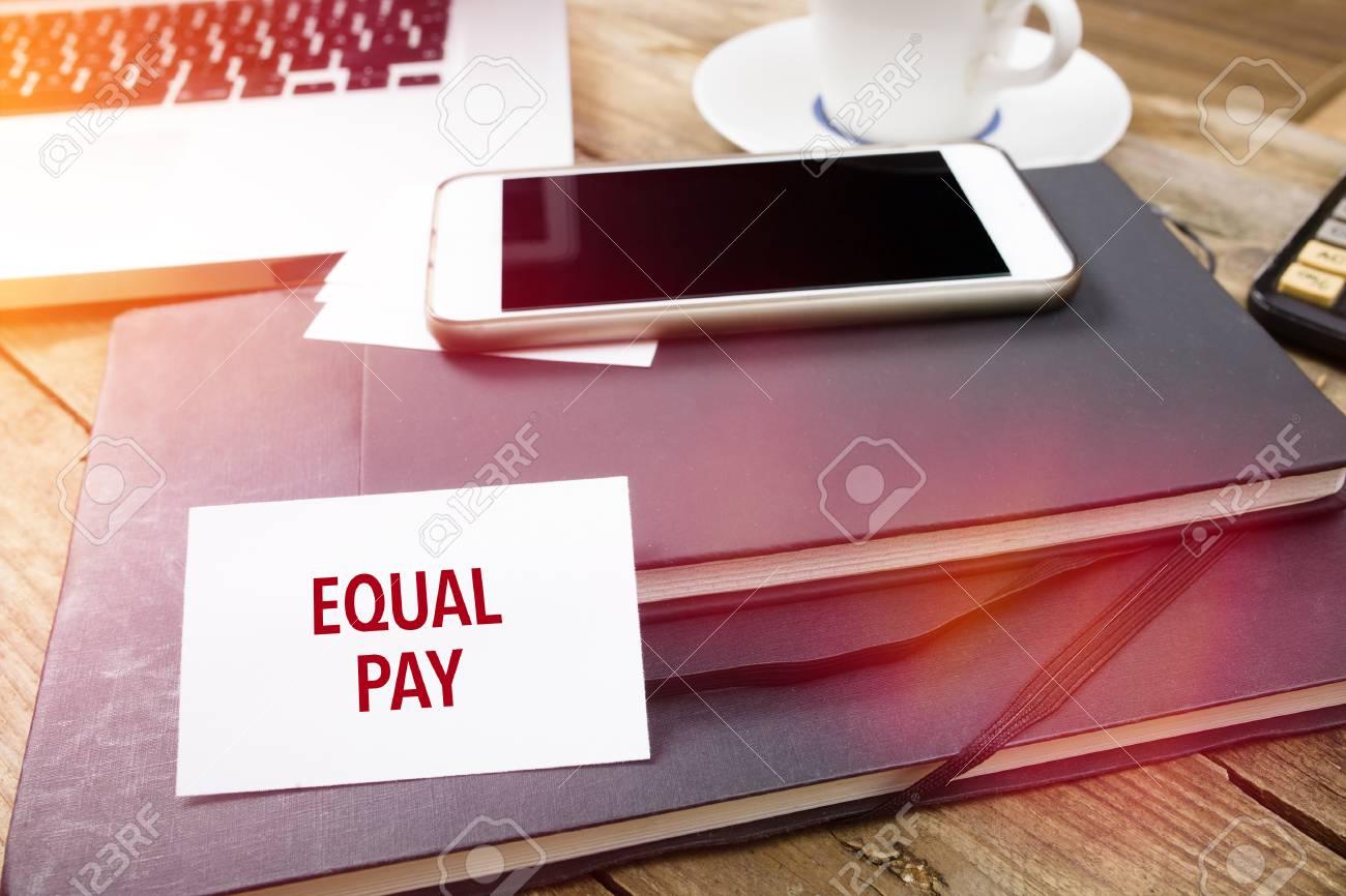 Equal Pay Sur Carte De Visite Avec Texte Le Bureau Des