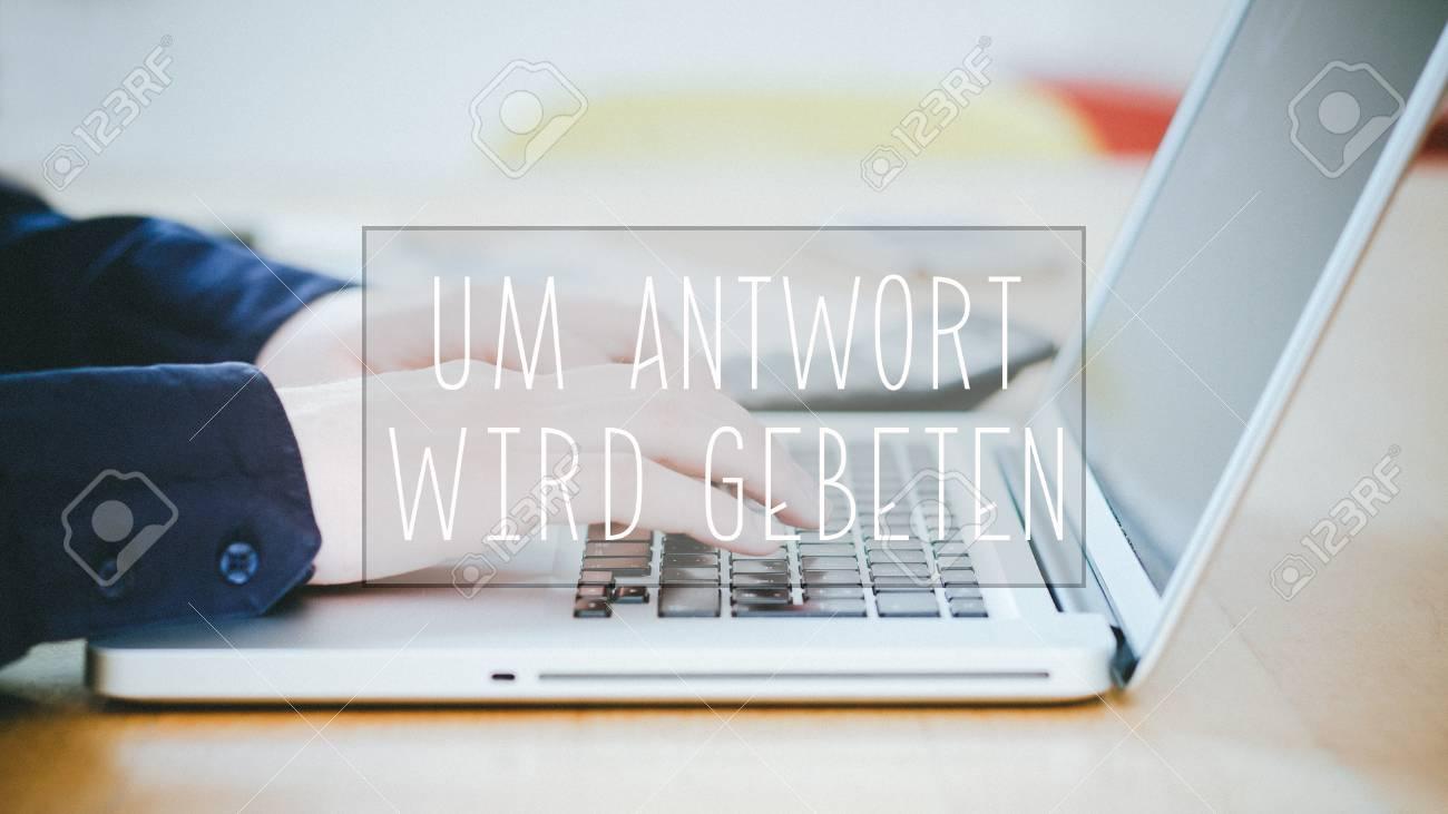 Ufficio In Tedesco : Testo in tedesco per la risposta testo sopra l uomo d affari