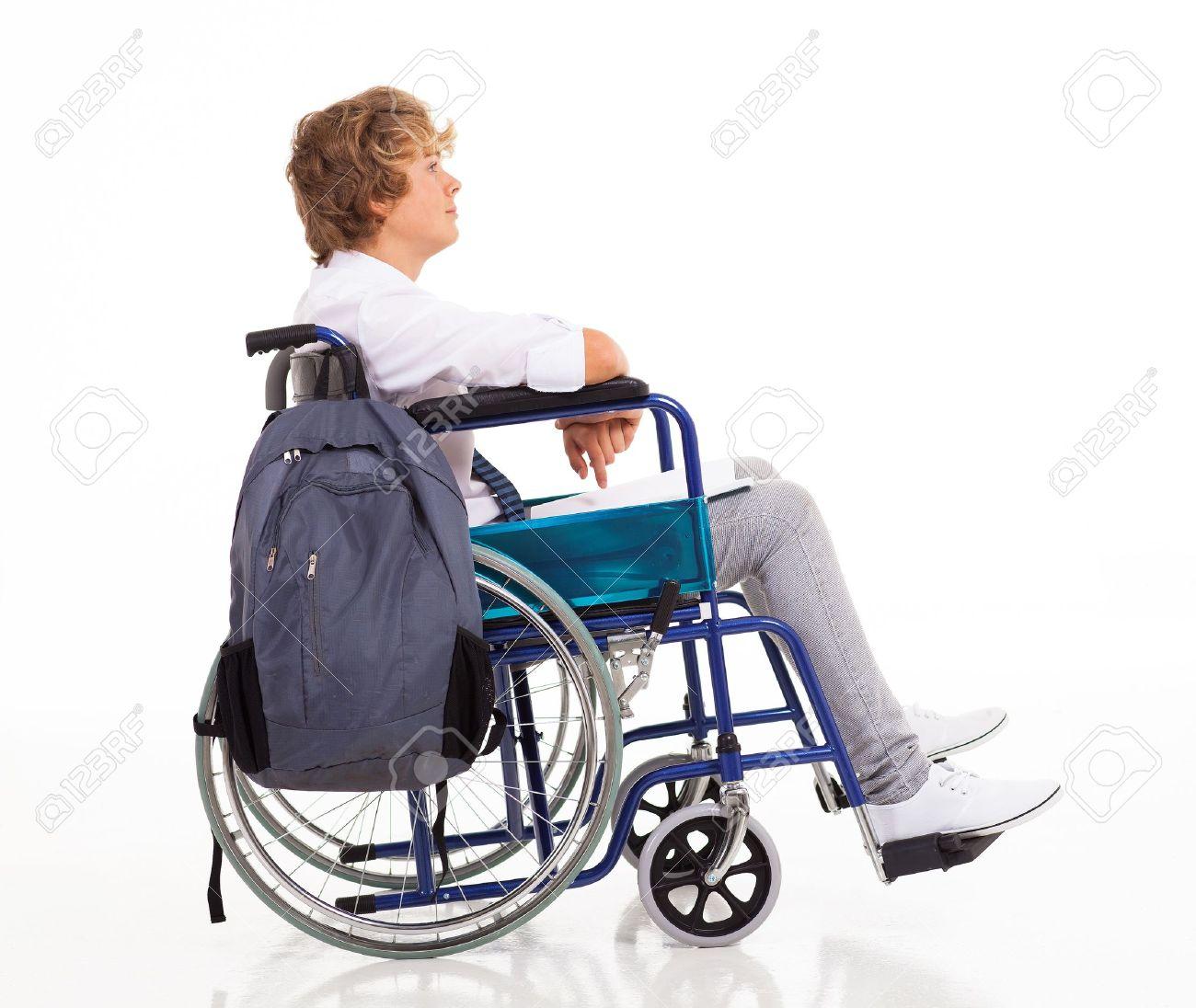 Vue De Côté Dun Garçon Adolescent Handicapé Assis Sur Chaise