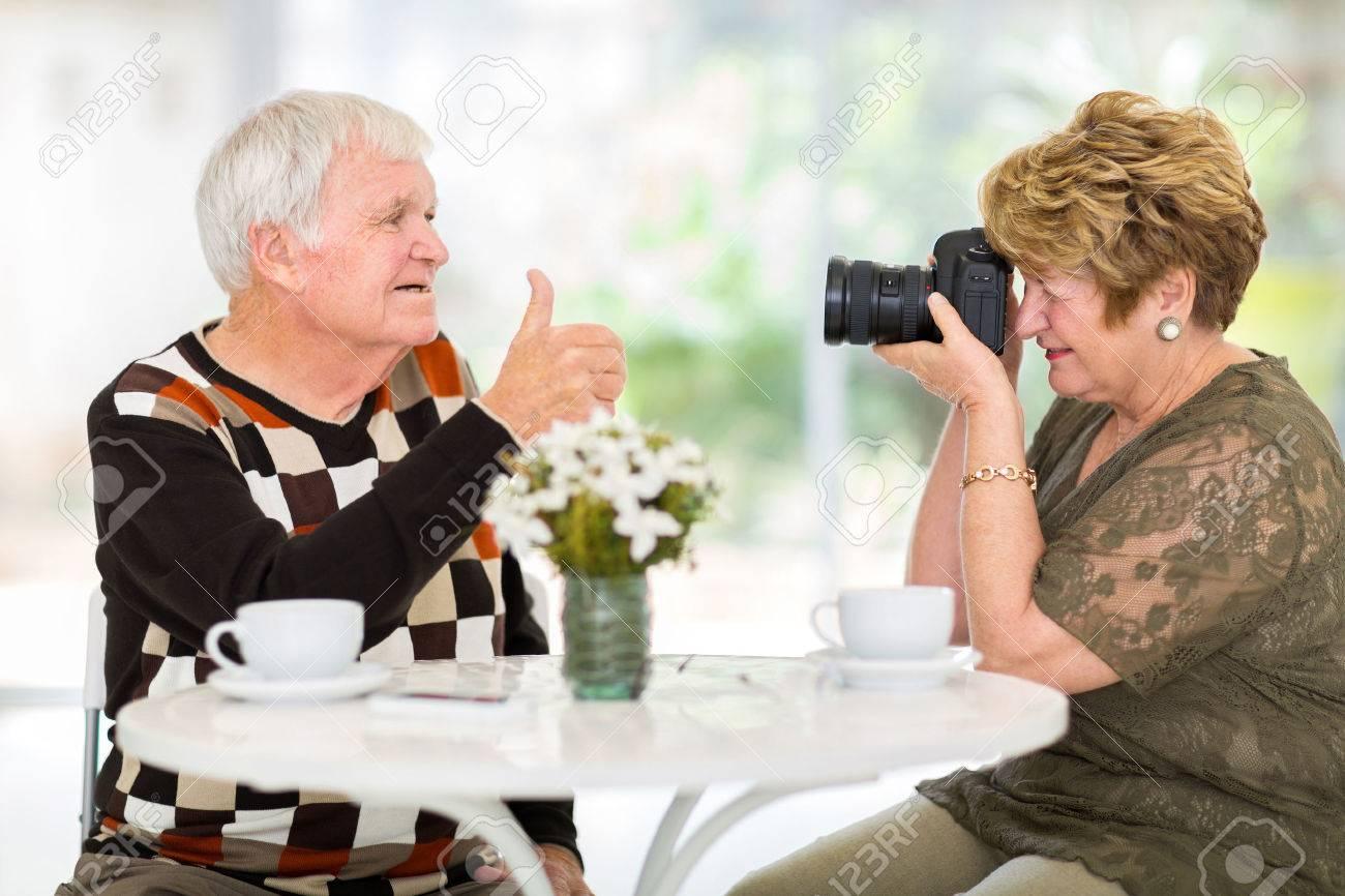 Сфотографировалась для мужа, 10 свежих идей для горячих селфи, которые сведут его 29 фотография