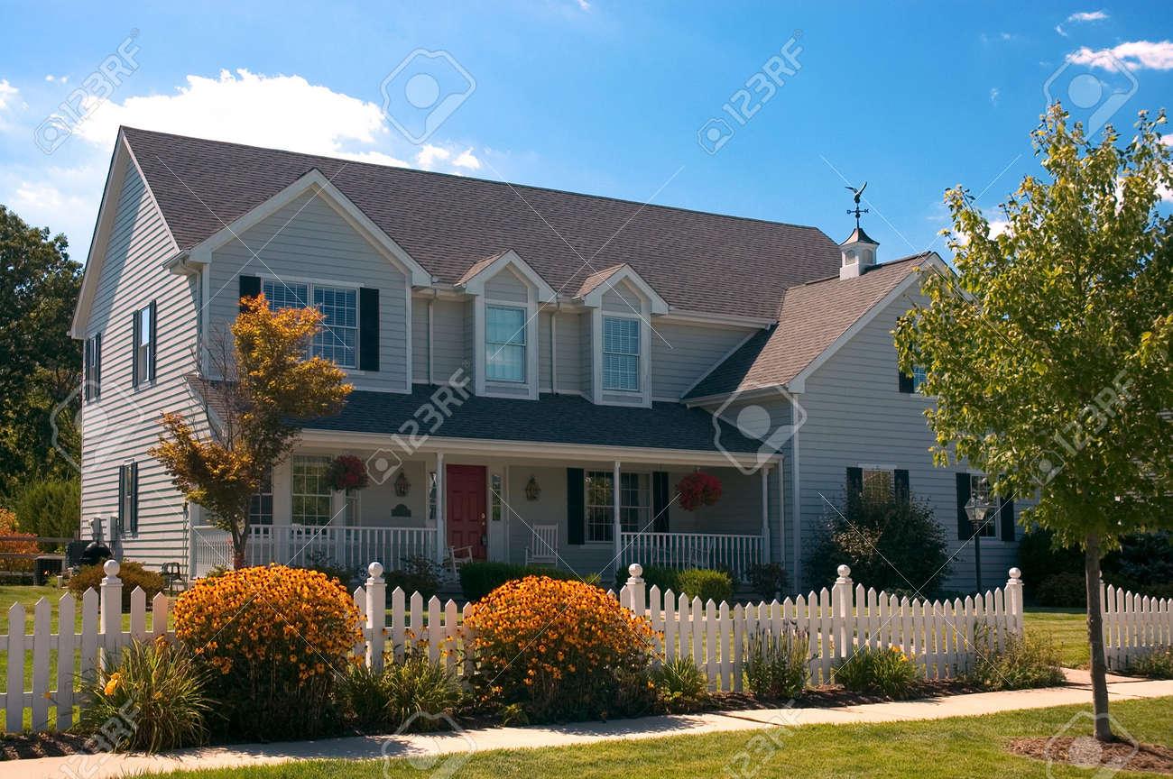 Schone Alle Holz Neues Zuhause Mit Traditionellen Amerikanischen