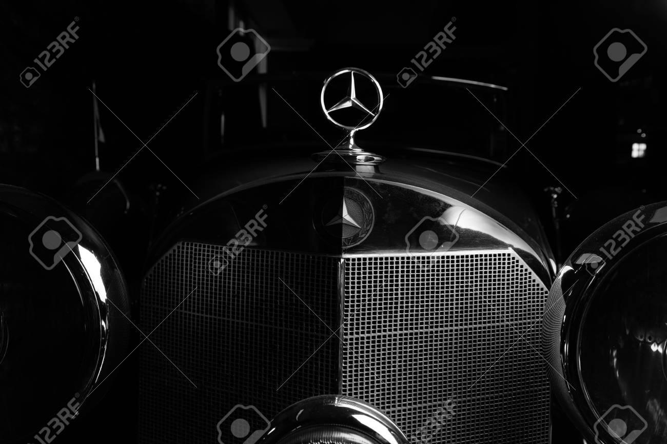 Mercedes Logo Retro Car Dark Background Adler Trumpf Junior Brown