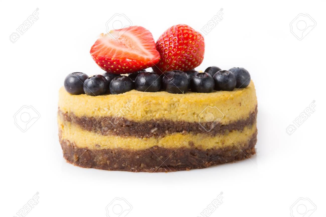 Raw Vegan Kuchen Auf Einem Weissen Hintergrund Lizenzfreie Fotos
