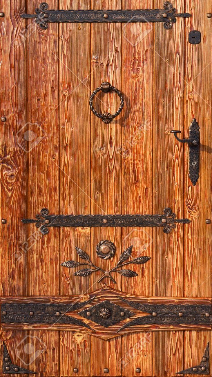 Old Style Wooden Door With Metal Antique Elements Stock Photo - Collection Antique Wooden Door Pictures - Losro.com