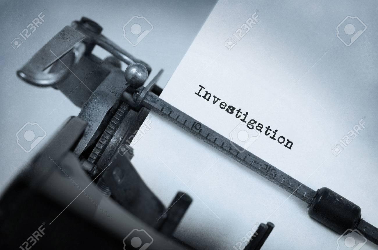 Close-up d'une machine à écrire vintage, enquête Banque d'images - 42168082