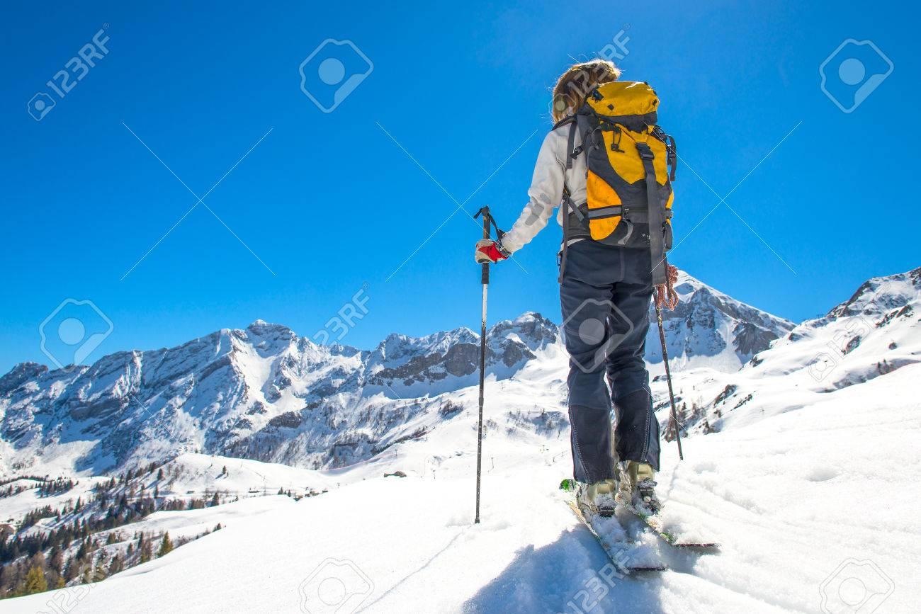 Girl makes ski mountaineering, ski trails Randonnee - 38497584