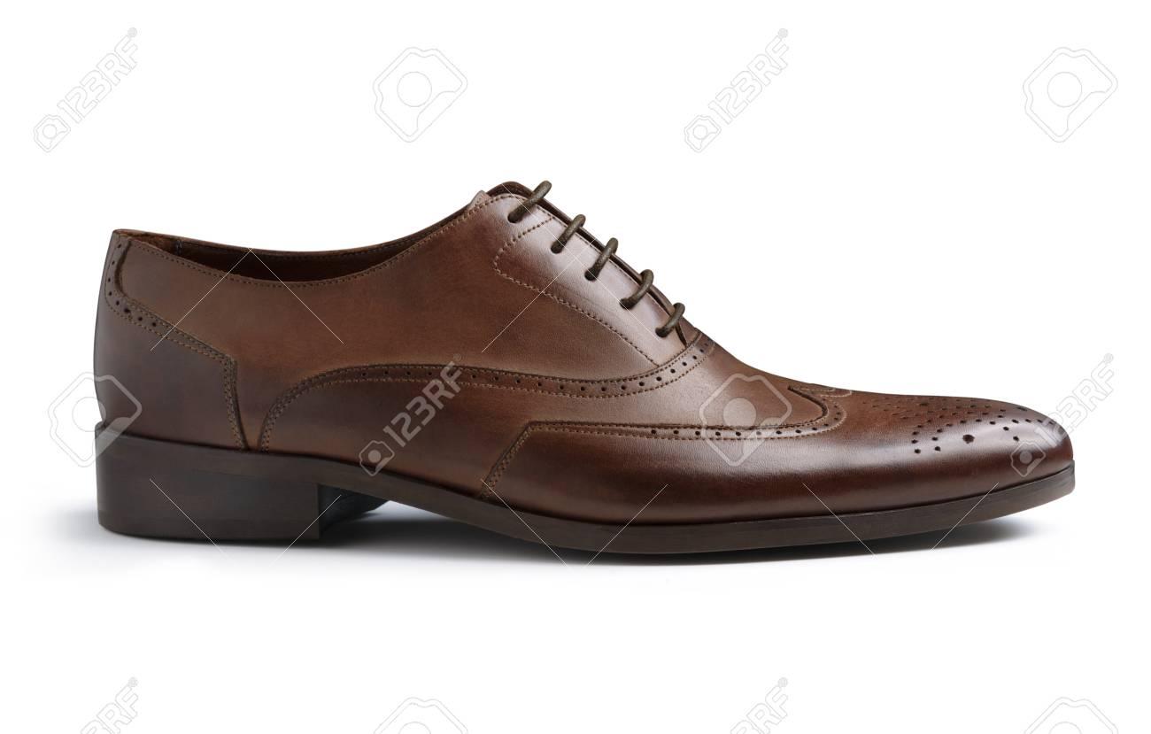45581e319c Foto de archivo - Marrón Moda Hombre zapatos aisladas sobre fondo blanco